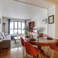 Apt for 4 near Buttes Chaumont in GuestReady