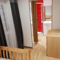 Ensuite room in Corby
