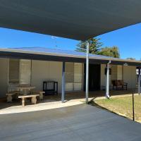 Blue Sky Escapes Classic Lancelin Beach House