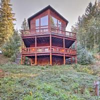 'Grizzly Tower' Packwood Cabin w/ Forest Views!