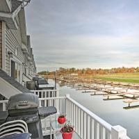 Townhome with Attached Boathouse on Alexandria Bay!, hotel in Alexandria Bay