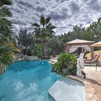 Luxury Helotes Home- Shared Hot Tub, Cabana & Pool