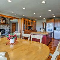 Custom Home w/ Decks in Boulder! Gateway to Parks!