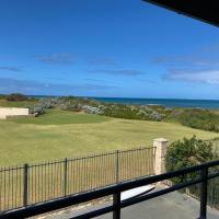 Blue Sky Escapes Seaview Apartment