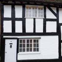 16th Century Cottage in Central Stratford-upon-Avon