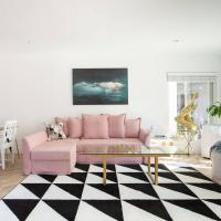 Chic & Comfortable Art & Design Apartments near LAX & Beaches