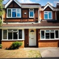 4 Bed detached house ideal for London and Windsor with free parking