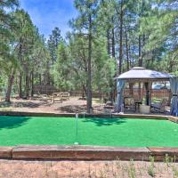 NEW-Show Low Home w/ Hot Tub, Putting Green+Gazebo
