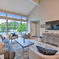 NEW-Montgomery Condo on Lake w/Country Club Access