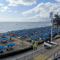 BEACH AVENUE PRIVATE APARTMENT