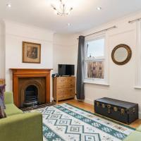 Beautiful, Chic 2-Bed Apt near Greenwich