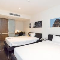 Silver Living Phrom Phong by Favstay