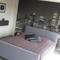 Spacious house nearby all major cities and beach. Ideal for Dutch Formula 1 GP and European Songfestival.