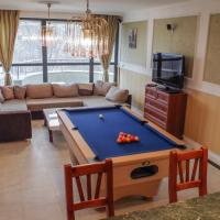 Luxury Apartment w/ Sauna and Billiards table Top Center