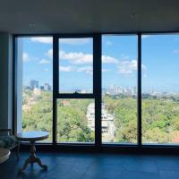 High Rise View 2bedrooms Apt in prime location
