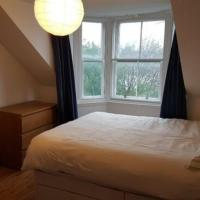Beautiful king room in Leith Walk