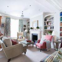 Hillgate Place by Onefinestay