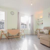lovely barking apartment, close to train station