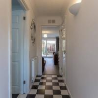 81A Shakespeare - 3 bed townhouse, great for a group of workers