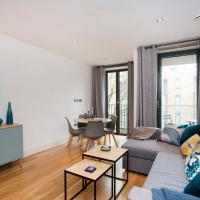 Ultra modern one bedroom with lift near Portobello Road, Notting Hill.