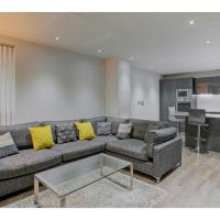 Ultra Modern Apt for 4, close to epicentre of MCR!