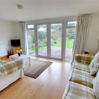 Wonderful Cottage on Winchelsea Beach with Central Heating