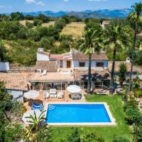 Llubi Holiday Home Sleeps 6 with Pool Air Con and WiFi