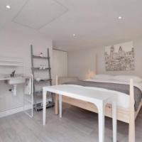 Unique Garden Suite In Alderley Edge