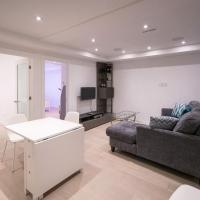 Brand New Modern Unit With Easy Access to the City