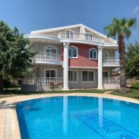 3-Bedroom Villa By The Pool