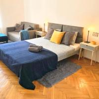 HOT SPOT City Center, Spacious Private Room, Shared Bath and Kitchen