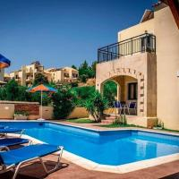Comfy Holiday Home in Piscopiano with Swimming Pool