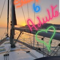 "Luxury Yacht Boatel - ""White Dove"", hotel cerca de Aeropuerto de Gibraltar - GIB, Gibraltar"