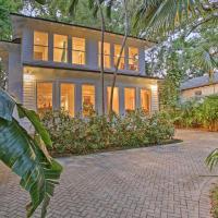 Sleek Updated Coconut Grove Home w/Pool & Jacuzzi