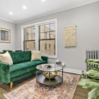 Great Discount! Stylish Chic 2BR in Lakeview!