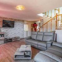 Villas Paliska with pool for 10 people located in the countryside near Poreč