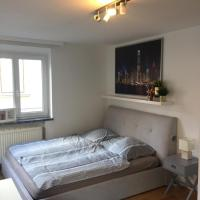 Beautiful and bright flat next to Uni and Stadtpark!