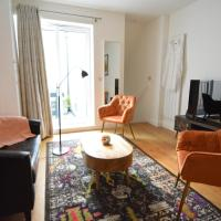 Luxury flat in central Fulham