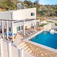 Moly - Luxury Villa with Heated Private Pool