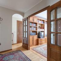 Apartment on 2-ya Maryinoi Roshchi 12