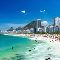 Apartamento TOP em Copacabana na quadra da praia! Sol, praia e muito conforto!