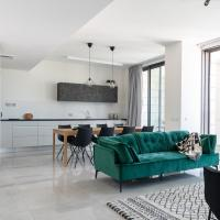 J Tower Residence Boutique - Apartments & Suites