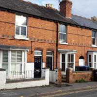 Grove Road Cottages - Lunas - 2 Bedrooms - Free Parking & Wifi