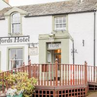 OYO Clovenfords Hotel