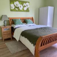 Beautiful south side 3bed room flat newly refurb