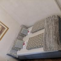 2 rooms Balcony 51m2 U pujcovny 8 Quiet nice Fully furnished Air conditioning Fireplace Prague 1 Center 5min walk to Wenceslas Square