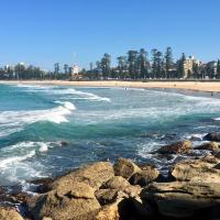 Manly Beach Family Getaway with free parking-walk to beach, cafes, bars, wharf