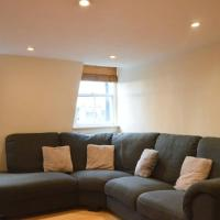 Central Cosy Flat In Great Location