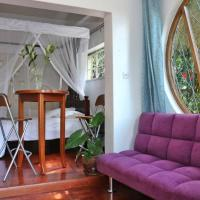 Cosy cottage in the heart of Westlands