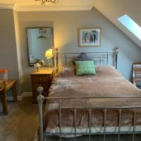 Luxurious quiet Norwich city centre b&b attic space -pet friendly